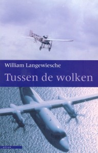 Inside the sky: A Mediation on Flight / Tussen de wolken