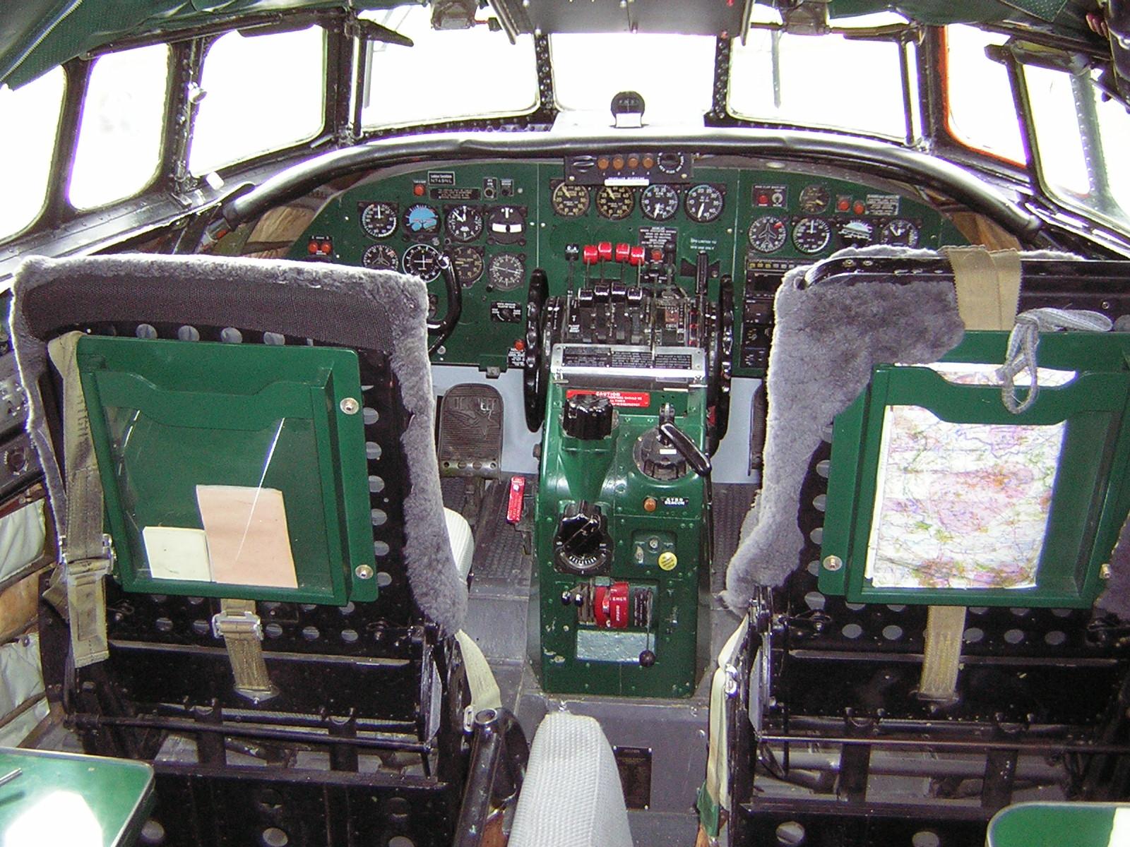 Cockpit DC2