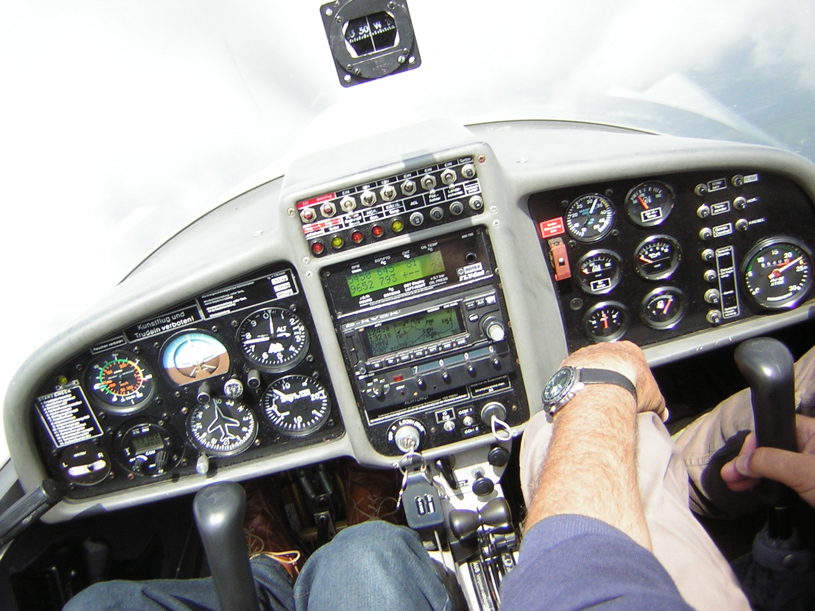 Super Dimona cockpit 3