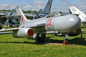 Yakovlev_Yak-25_at_Central_Air_Force_museum